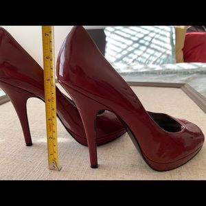 Guess Patent Red Peep Toe Pumps